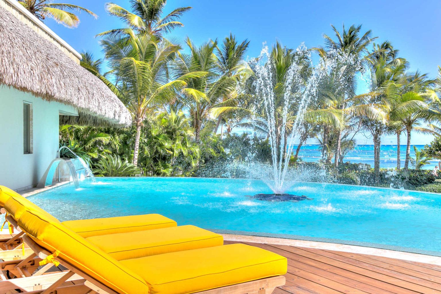 Villa sirena blue beachfront luxury villa rental punta cana for Punta cana villa rentals