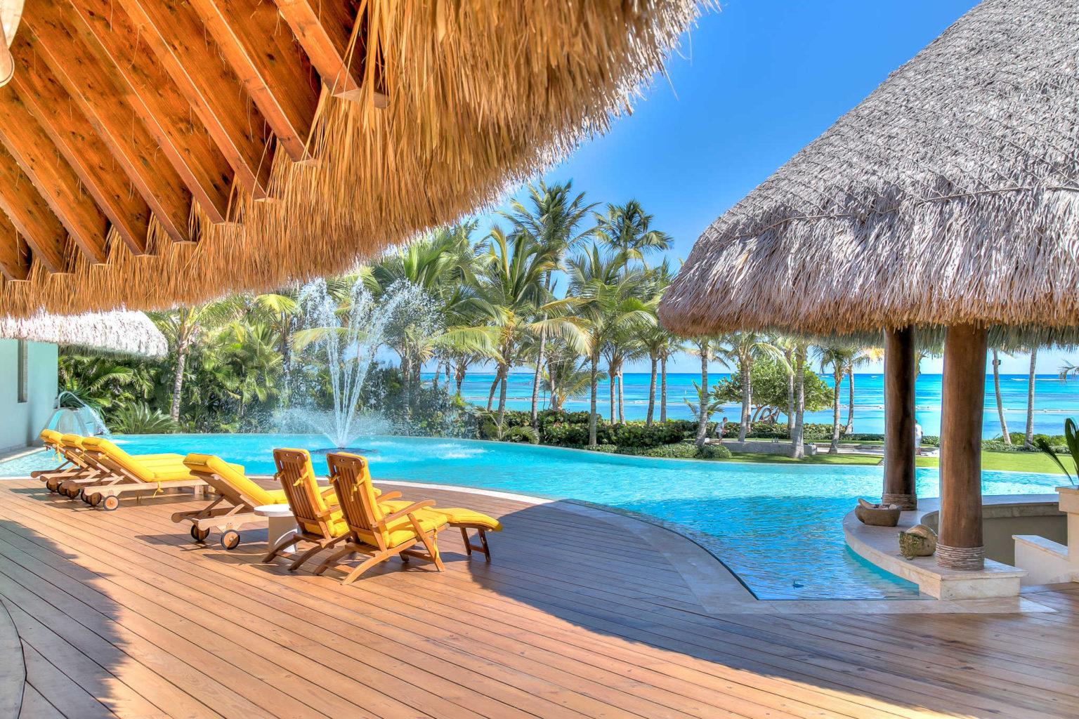 Villa sirena blue beachfront luxury retreat punta cana for Punta cana villa rentals