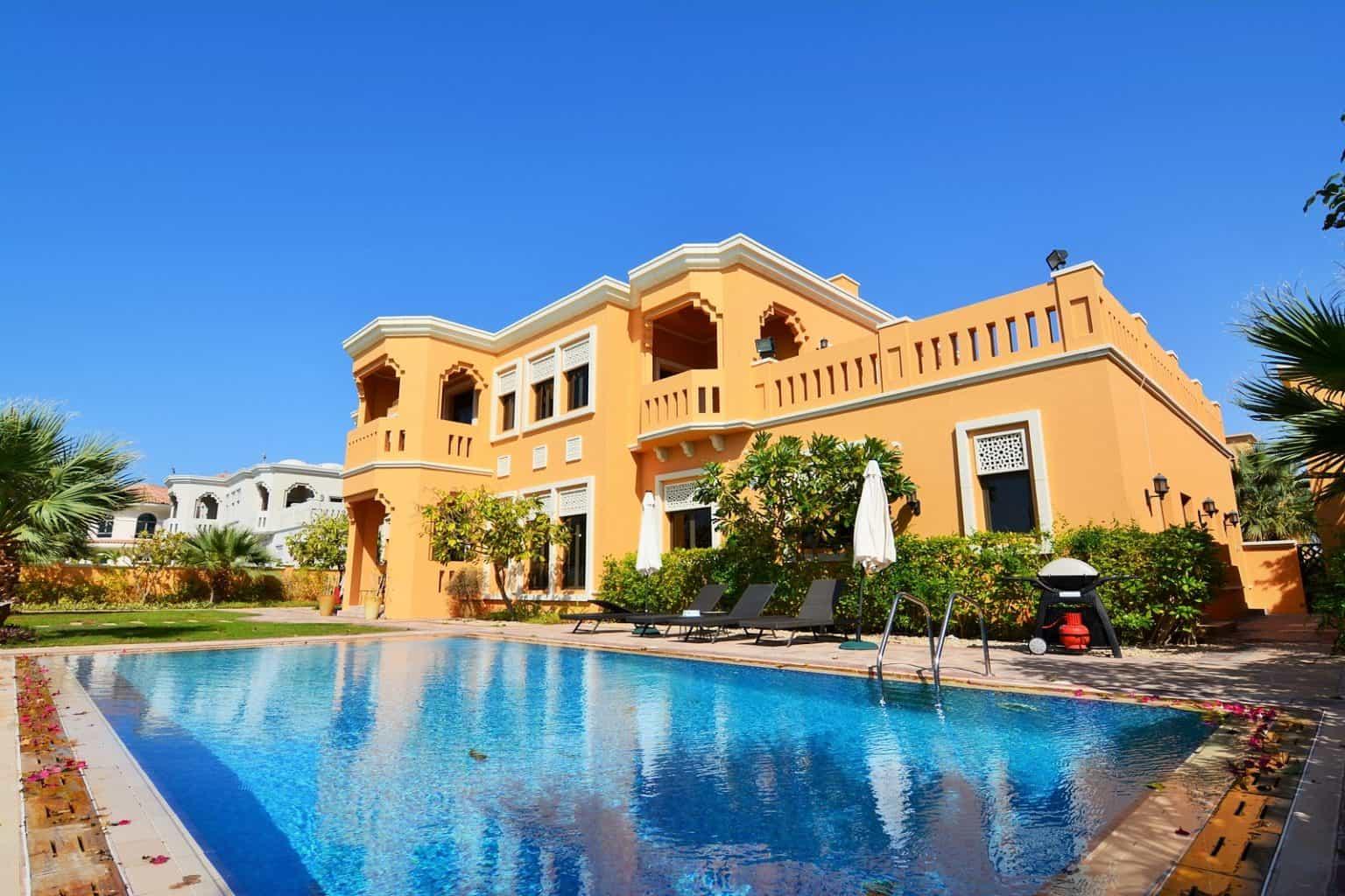 Villa palm jumeirah 2 beachfront luxury villa rental dubai for Villas 2018