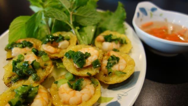 Banh knot Vietnamese Food Haute Retreats