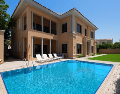 Villa with Private Pool and Beach | 5 BR