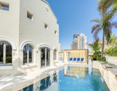Luxury Villa in Palm Jumeirah | 4 BR